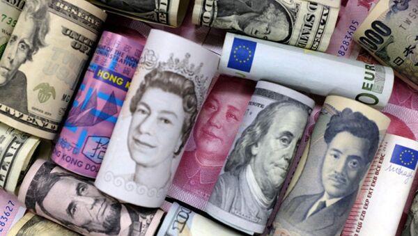 Američki dolari, funte, japanski jen, kineski juan evro - Sputnik Srbija