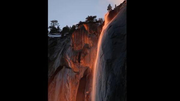 Водопад у Националном парку Јосемити - Sputnik Србија