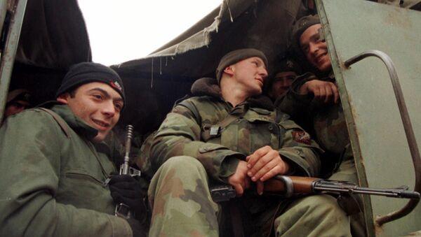 Srpska vojska na Kosovu 1999 - Sputnik Srbija