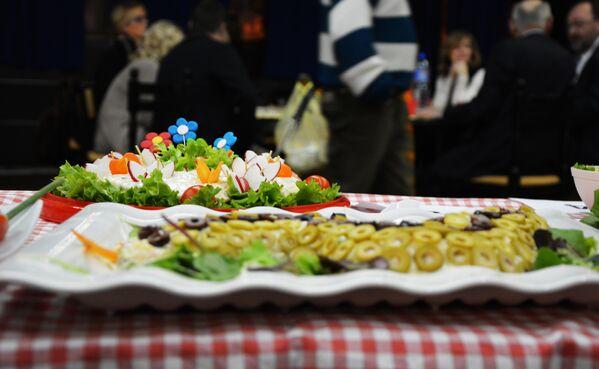 Sto čudesa, a samo jedna - ruska salata - Sputnik Srbija