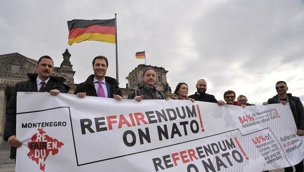 Referendumski karavan u Berlinu - Sputnik Srbija