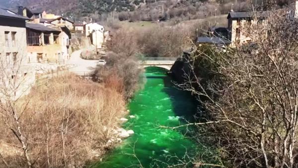 Reka u Španiji pozelenela - Sputnik Srbija