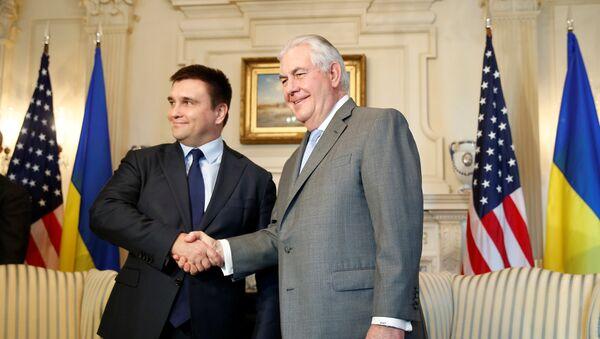 Министар спољних послова Украјине Павел Климкин и амерички државни секретар Рекс Тилерсон на почетку разговора у Стејт департменту - Sputnik Србија