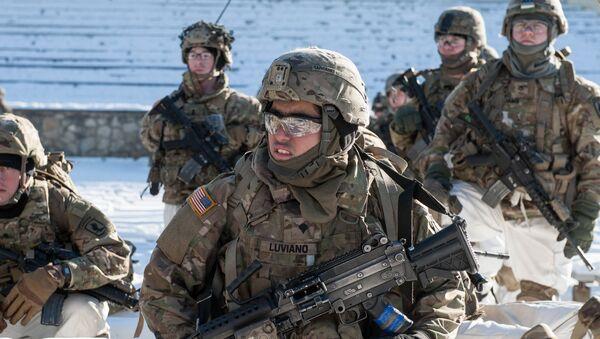 Američki vojnici na demonstraciji vojne tehnike i naoružanja NATO-a u Letoniji - Sputnik Srbija