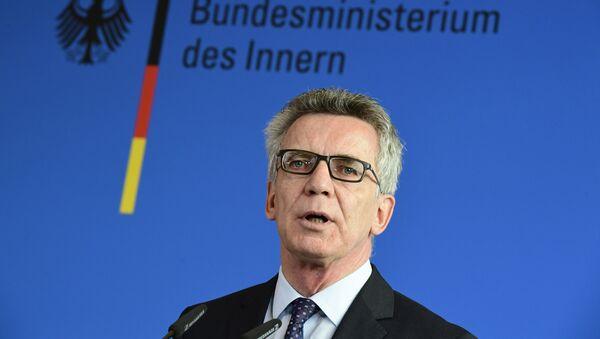 German Interior Minister Thomas de Maiziere gives a press conference on September 13, 2016 in Berlin - Sputnik Srbija