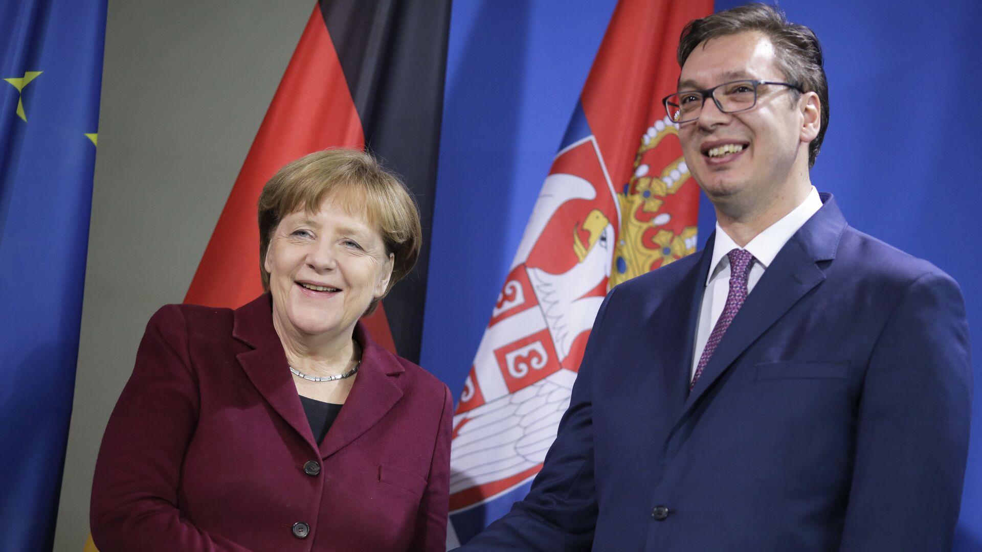 Premijer Srbije Aleksandar Vučić sa nemačkom kancelarkom Angelom Merkel tokom susreta u Beogradu - Sputnik Srbija, 1920, 31.08.2021