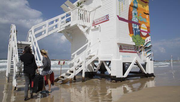 Kabina za spasioce pretvorena u hotelsku sobu na plaži u Tel Avivu - Sputnik Srbija