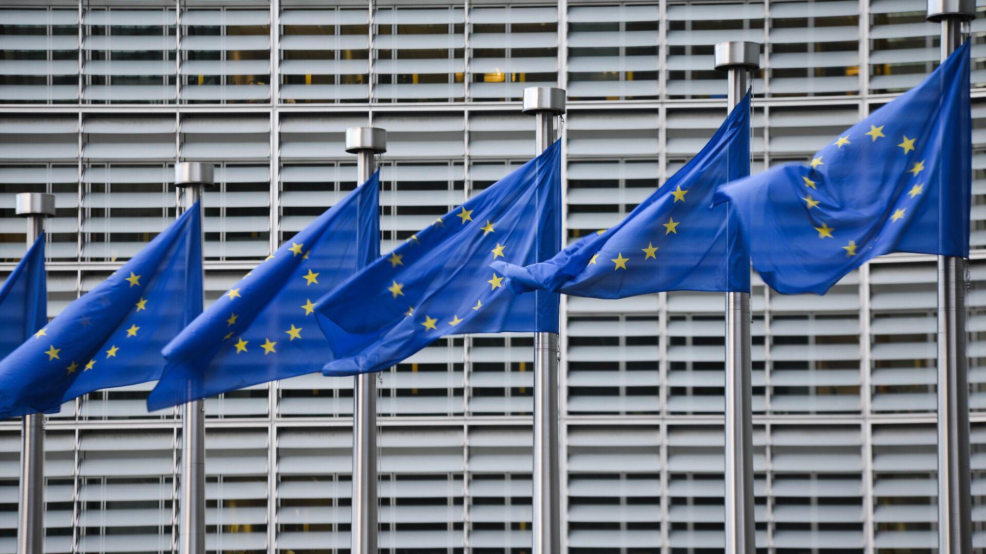 Zastave Evropske unije ispred sedišta Evropske komisije u Briselu - Sputnik Srbija, 1920, 07.09.2021