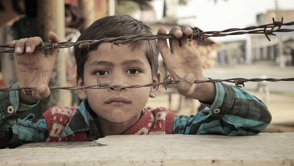 Дете иза жице - Sputnik Србија