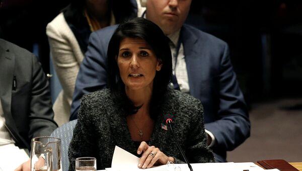 Амбасадорка САД у УН Ники Хејли говори у Савету безбедности УН у Њујорку - Sputnik Србија