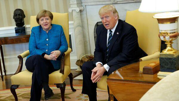 Анегла Меркел и Доналд Трамп - Sputnik Србија