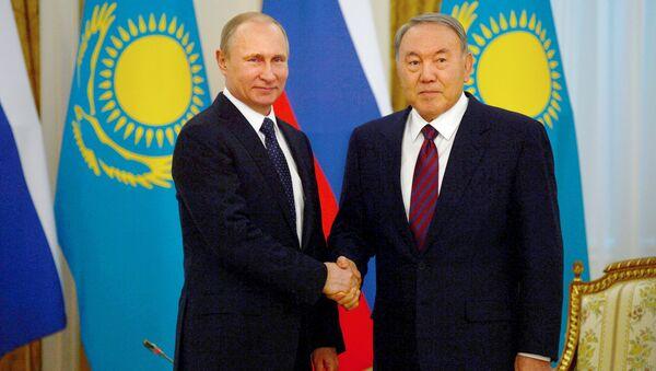 Председник Русије Владимир Путин и председник Казахстана Нурсултан Назарбајев - Sputnik Србија