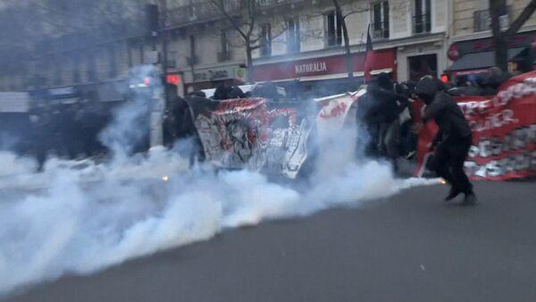 SERBIA_Беспорядки в Париже - Sputnik Србија