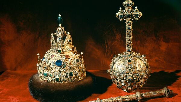 Круна и скиптар и жезло - Sputnik Србија