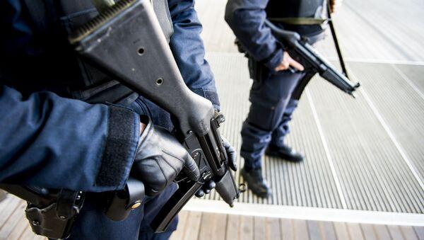 Pripadnici policije patroliraju u Antverpu - Sputnik Srbija