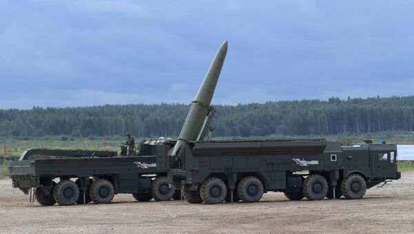 Raketni sistem Iskander M tokom pokazne vežbe vojne tehnike na poligonu Alabino - Sputnik Srbija