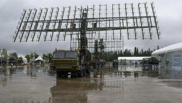 Mobilni radarski sistem 55Ž6M Nebo M na otvaranju Međunarodnog vojno-tehničkog foruma Armija 2015 - Sputnik Srbija