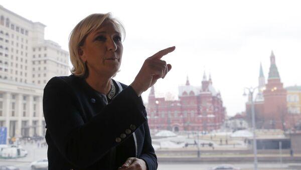 Лидер партије Национални фронт и кандидат за председника Француске Марин Ле Пен током посете Москви - Sputnik Србија