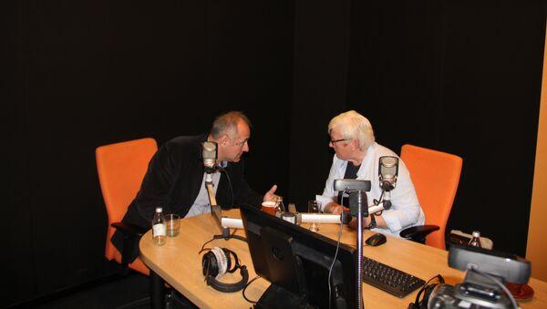 Milo Lompar i Srbijanka Turajlić u studiju Sputnjika - Sputnik Srbija