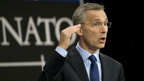 Generalni sekretar NATO-a Jens Stoltenberg govori na konferenciji za medije nakon sastanka Saveta Rusija-NATO u Briselu - Sputnik Srbija
