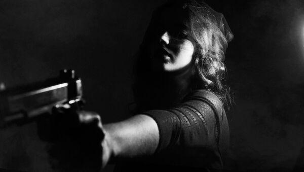 Žena sa pištoljem - Sputnik Srbija