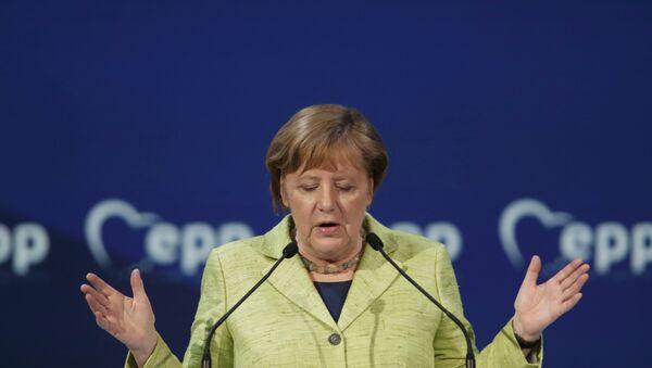 Немачка канцеларка Ангела Меркел говори на самиту Европске народне партије на Малти - Sputnik Србија