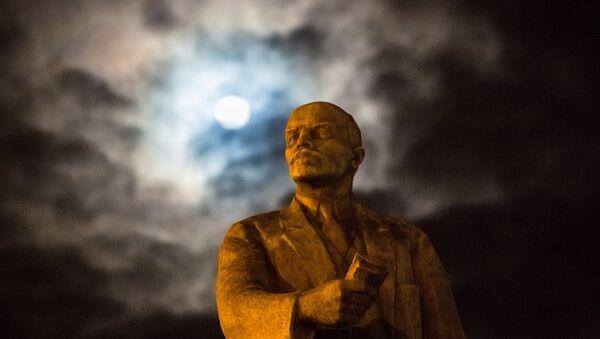 Споменик Лењину у Симферопољу - Sputnik Србија