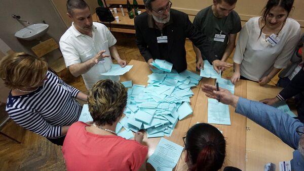 Председнички избори у Србији - бројање гласова - Sputnik Србија