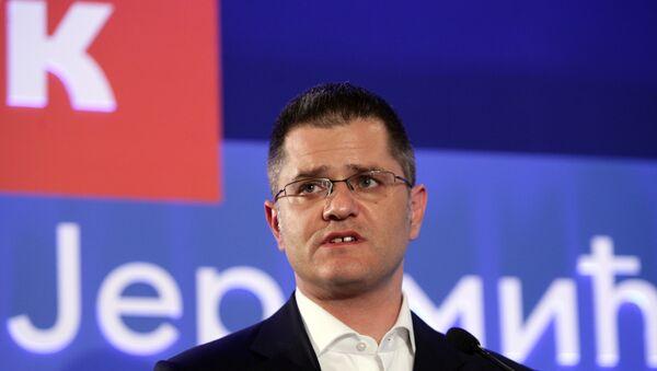 Predsednički kandidat Vuk Jeremić na konferenciji za novinare u svom predizbornom štabu. - Sputnik Srbija