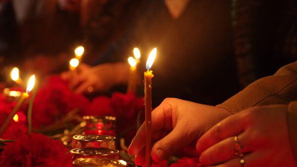 Cveće i sveće - Sputnik Srbija
