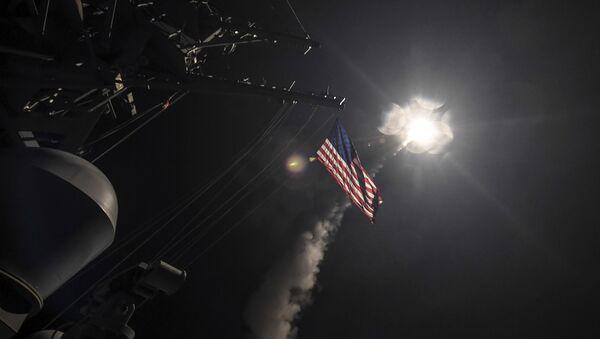 Raketni napad američke vojske na vazduhoplovnu bazu u Siriji - Sputnik Srbija