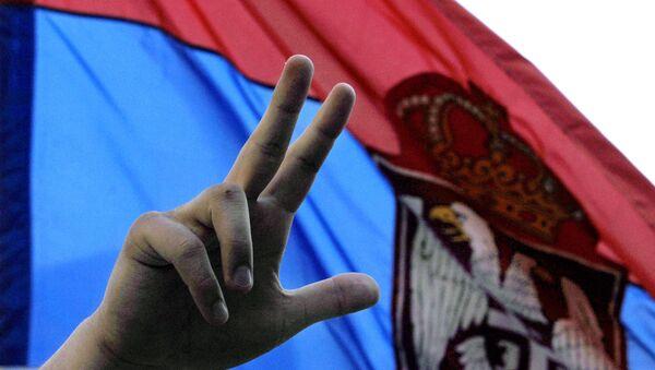 Tri prsta i zastava Srbije - Sputnik Srbija