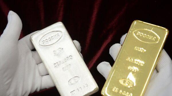 Zlatna i srebrna poluga napravljena u Jekaterinburgu - Sputnik Srbija