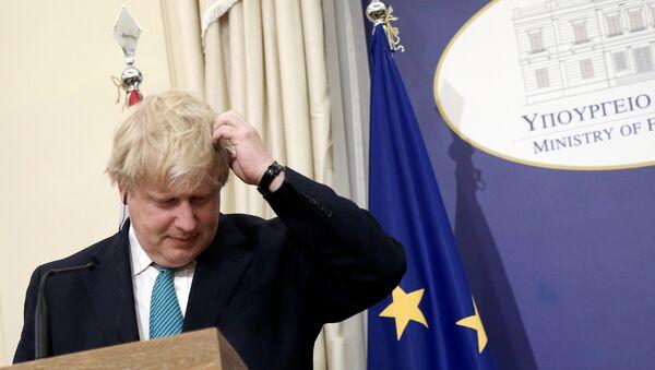Ministar spoljnih poslova Velike Britanije Boris Džonson tokom zajedničke konferencije za medije sa svojim grčkim kolegom Nikosom Kocijasom u Atini - Sputnik Srbija