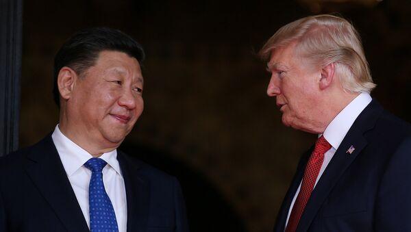 Председници Кине и САД Си Ђинпинг и Доналд Трамп током разговора на Флориди - Sputnik Србија