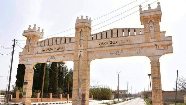 Једна од улица града Деир Хафир у провинцији Алеп које су заузеле сиријске владине снаге. - Sputnik Србија