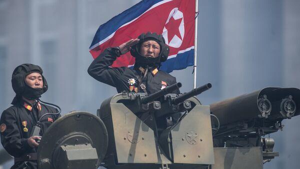 Сервисери током прославе поводом 105. годишњице од рођења оснивача Северне Кореје државе, Ким Ил Сунг у Пјонгјангу - Sputnik Србија