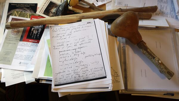 Сто лингвисте Харингтона, на ком се налазе његове белешке и индијанске реликвије - Sputnik Србија