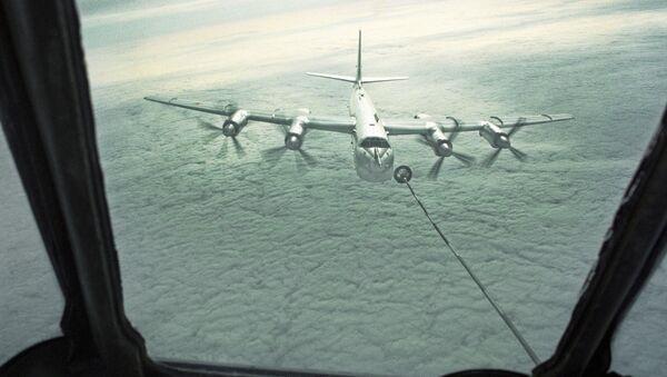 Стартешки бомбардер Ту - 95  - Sputnik Србија