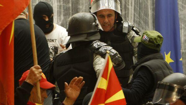 Policija u makedonskom parlamentu - Sputnik Srbija