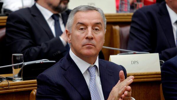 Milo Đukanović na skupštinskom zasedanju povodom ulaska Crne Gore u NATO - Sputnik Srbija