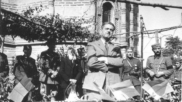 Zbor u okupiranom Kruševcu organizovan od kvislinške vlade 16. avgusta 1943. Govori Dimitrije Ljotić. - Sputnik Srbija