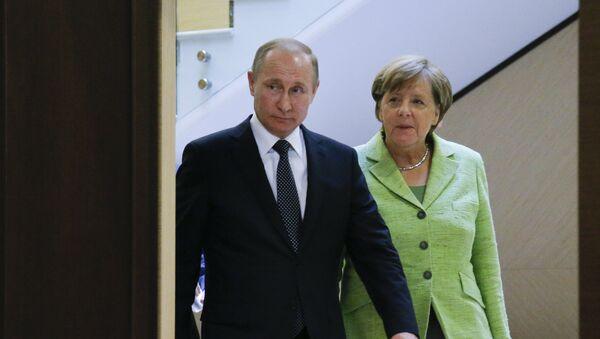 Владимир Путин и Ангела Меркел - Sputnik Србија
