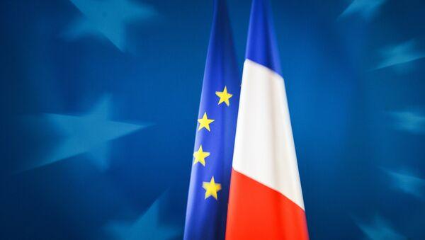 Заставе Француске и ЕУ - Sputnik Србија