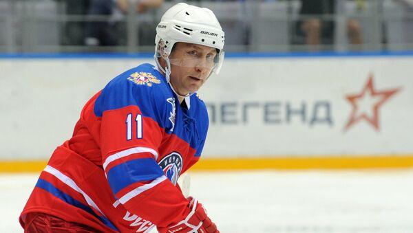 Vladimir Putin igra hokej - Sputnik Srbija