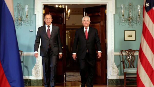 Ministar spoljnih poslova Rusije Sergej Lavrov i državni sekretar SAD Reks Tilerson - Sputnik Srbija