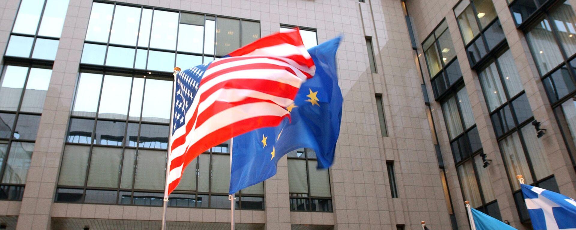 Tastave SAD i EU ispred sedišta EU u Briselu - Sputnik Srbija, 1920, 29.09.2021