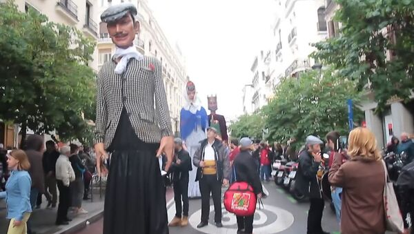 SERBIA_Традиционное шествие гигантских кукол в Мадриде - Sputnik Србија