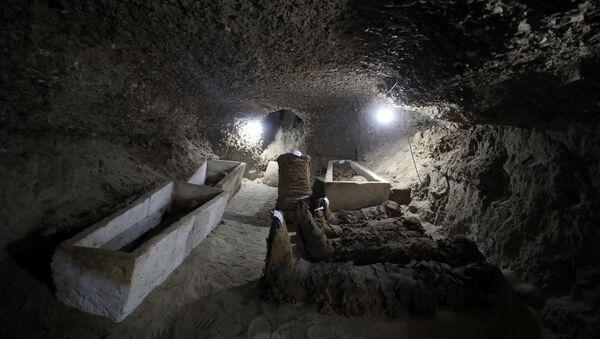Mumije u novootkrivenim grobnicama u Egiptu - Sputnik Srbija