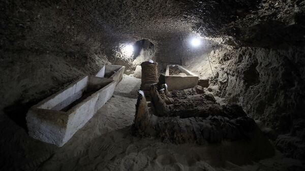 Мумије у новооткривеним гробницама у Египту - Sputnik Србија